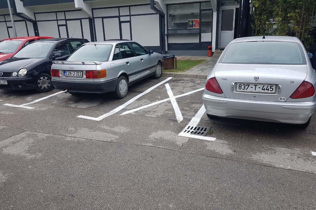 "Уређен паркинг код дворане ""Обилићево"""